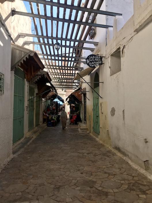 Alley in Boujad Medina - Blog - Dreaming of Benis