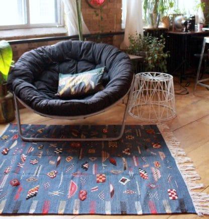Ouarzazate Bleu Kilim Rug in Living Space