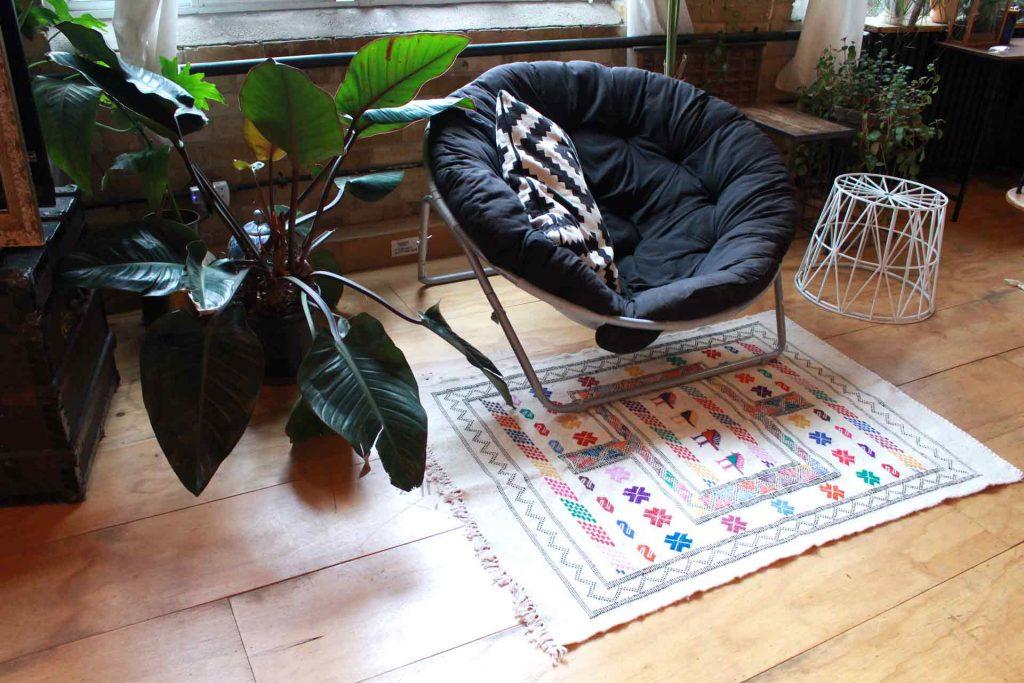 Moroccan Kilim Rug in living room- Zem